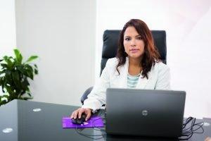 Julissa Herrera, metgessa especialista en tractament del dolor