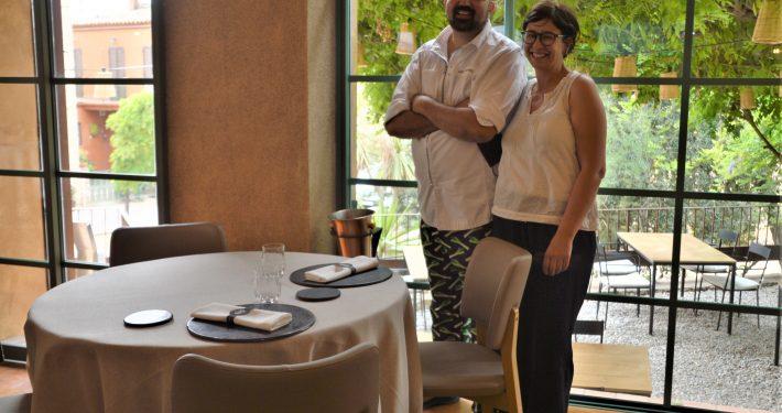 Vicenç Fajardo i Mònica Farré al seu nou restaurant a Fonteta